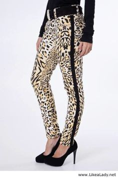 Animal print pants Animal Print Pants, Animal Prints, Leopard Fashion, Printed Pants, Harem Pants, My Style, How To Wear, Closet, Jewelry