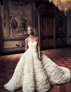 just wow. Glamour, Look Fashion, Fashion Show, Couture Fashion, Bridal Gowns, Wedding Gowns, Wedding Bells, Yes To The Dress, Beautiful Gowns