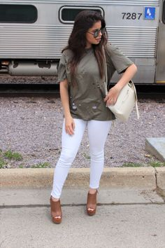 Tobi verde militar clothing summer shoes details quay australia high key olive shirt outfit white pants ALDO bags OOTD outfit of the night casual outfit OOTN by Alejandra Avila Tu fashion petite