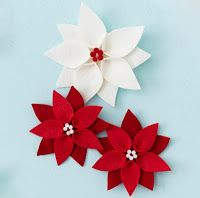 Easy DIY Felt Poinsettia Christmas Ornament These beautiful red and white poinsettia flowers made from felt will pop on your Christmas tree this season. They're easy to make using our free printable Christmas ornament pattern, so get started now! Printable Christmas Ornaments, Diy Felt Christmas Tree, Free Christmas Printables, Noel Christmas, Handmade Christmas, Christmas Poinsettia, Christmas Flowers, Diy Ornaments, Christmas Tree Decorations To Make