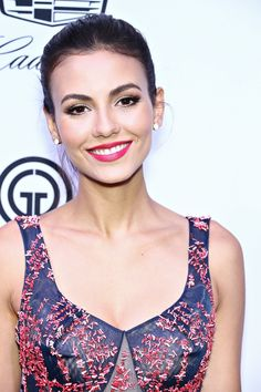 Oooh Victoria Justice