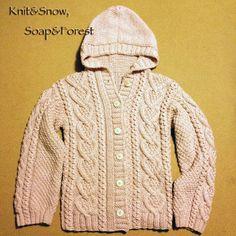 まっすぐ編みのフード付きカーディガン 編み図(アウトライン)です。 Knitwear, Knit Crochet, Cross Stitch, Men Sweater, Knitting, Sweaters, Handmade, How To Wear, Tops