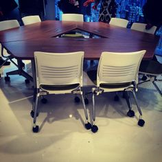 Motion reimagined! Our new Pirouette table designed by Giancarlo Piretti #1181 #neocon14 #neoconography