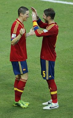 Fernando Torres celebrating his goal against Nigeria in the Confederations Cup with Sergio Ramos