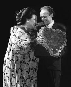 "In Loving Memory of Montserrat Caballé - Josep Carreras: ""Nobody could sing like her"" Lucrezia Borgia, Carnegie Hall, Metropolitan Opera, Maria Callas, The Hundreds, In Loving Memory, Suddenly, Great Artists, Funeral"