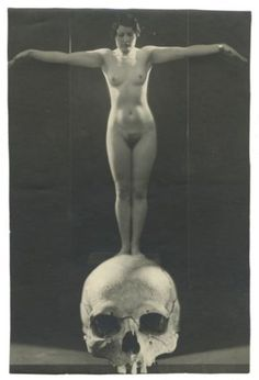 Nude and skull, Vienna, c.1928 by Studio Manassé