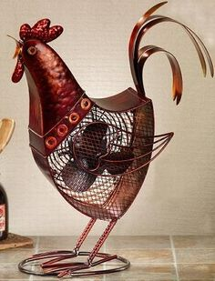 Figurine Fan - Rooster. many know my obbsesion with roosters!!
