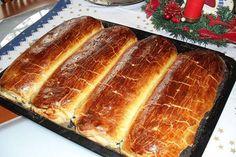 Különleges diós-mákos bejgli, ami annyira finom, hogy minden hétvégén ezt kívánod majd! Hungarian Desserts, Hungarian Recipes, Cream Puff Recipe, Cinnamon Roll Pancakes, Flaky Pastry, Breakfast Pastries, Classic Desserts, Pastry Cake, Sweet Bread