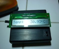 ATTiny84 + LCD + LM35 Temperature sensor