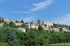 Considéré comme un des plus beaux villages du Vaucluse, Crestet domine la vallée de l'Ouvèze. Pour les amateurs de vieilles pierres. Quand on vient de Vaison la Romaine en direction de Malaucène sur la D938, à gauche sur un éperon rocheux, Crestet se...