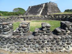 The Totonac city of Cempoala (or Zempoala) in Veracruz, Mexico, was a regional capital when it was visited by the Spanish conquistador Hernan Cortes. Ancient Aztecs, Conquistador, 16th Century, Art And Architecture, Spanish, Coast, Mexico, Urban, Highlands