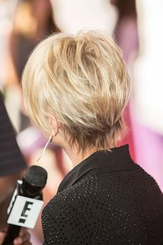 Last week, Pamela Anderson went pixie on us, and then over the weekend another blond celeb debuted a super-short haircut. This has got to be becoming a...