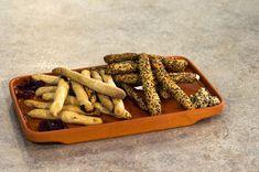 ΚΡΙΤΣΙΝΙΑ ΑΠΟ ΑΛΕΥΡΙ ΖΕΑΣ ΜΕ ΚΙΝΟΑ & CRANBERRIES - ΣΕΦ ΣΤΟΝ ΑΕΡΑ Cinnamon Sticks, Spices, Sweets, Cranberries, Food, Breads, Carving, Bread Rolls, Spice