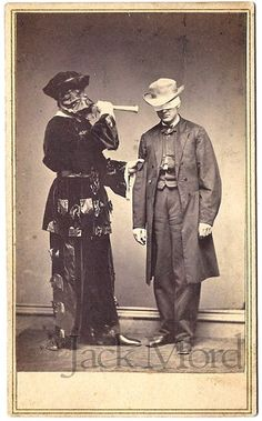 CDV of a Masked Man Blowing a Horn at a Blindfolded Man, New Haven Vintage Pictures, Old Pictures, Vintage Images, Old Photos, Unique Vintage, Clown Horror, Old Portraits, Evil Clowns, Horror Films