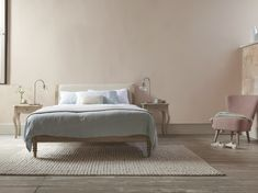 Think dashing Mr Darcy or elegant Darc(e)y Bussell. Our slightly contemporary take on an old French bed will appeal to both gents and ballerinas. White Bed Sheets, White Bedding, Bedroom Inspiration, Bedroom Ideas, French Bed, Interior Architecture, Interior Design, Weathered Oak, Modern Boho