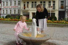 Karlovy Vary jsou vynikající destinací, lákají i na akce k 700. výročí narození Karla IV. Tip na letošní dovolenou: Bohemia – lázně, a. s., Karlovy Vary  V souvislosti se změnou preferencí letošních dovolených zaznamenávají zvýšený zájem o pobyty domácí zařízení cestovního ruchu. Nárůst zájmu domácích klientů o strávení dovolené v lázních zaznamenala i společnost Bohemia-lázně, a. s., Karlovy Vary. Oproti loňskému roku mírně stoupá návštěvnost z České republiky i rezervace pobytů na letní…