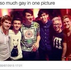 Joey Graceffa, Troye Sivan,Dan Howell,Phil Lester,Tyler Oakley and Connor Franta ..soy much gay<<<dnp are soooo tall