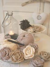 My Country Cottage Garden: My very first crochet roses!
