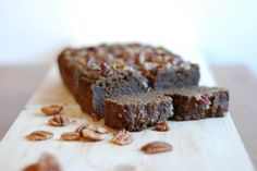 Pumpkin Ginger Bread - because it's fall and everything should be made with pumpkin! Vegan and gluten-free so that everyone can enjoy some delicious spices and flavors of fall! http://www.nibsandgreens.com/pumpkin-ginger-bread/