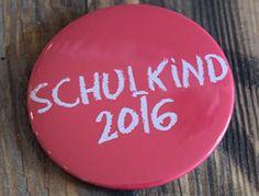 Button Anstecker Schulkind 2016 lachs rosa für die Mädchen-Einschulung