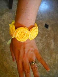 So I Saw This Tutorial ...: Rosette Bracelet Tutorial!