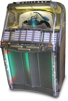 Did you have one of those jukeboxes in your local cafe when you were a teenager. Wurlitzer Model 2000 Jukebox of 1956 Vintage Bob, Vintage Music, Jukebox, Antique Record Player, Music Machine, Art Deco Decor, Old London, Wood Crates, Vinyl Records