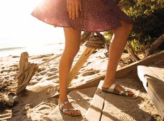 Spring vacation, here we come! Whether you love the classic Arizona or the cute and strappy Mayari for women, take Birkenstock sandals wherever you go. Feeling great on your feet with four-arch support is always in style, so you don't have to give up on comfort or fashion.