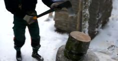Man Uses The Simplest Of Tools To Make The Difficult Job Of Chopping Wood Fast And Efficient. Clever Gadgets, Outdoor Cooking, Natural Living, Firewood, Tools, Simple, Easy, Camp Fire, Homestead