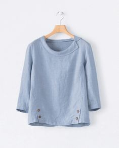 Image of Round collar linen top