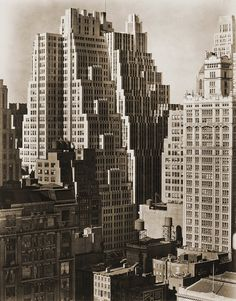 NYC. Manhattan. 14th Street between 6th and 7th Avenues, Berenice Abbott, 1935