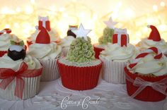 Christmas cupcakes by Cotton and Crumbs
