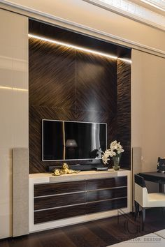 Extending the idea of the high quality life, NG-studio envisioned the interior of this classic-style apartment in Italy. Luxury Interior, Best Interior, Interior Architecture, Interior Design, Tv Unit Design, Tv Wall Design, Lcd Panel Design, Luxury Apartments, Modern House Design