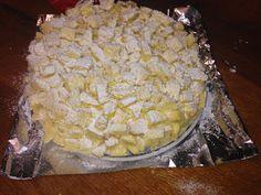 http://pasticcionisinasce.blogspot.it/2015/03/torta-mimosa-al-limoncello.html Torta Mimosa,la Torta per antonomasia da preparare per l'8 marzo