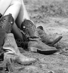 Friday Night in Black and White - Creative Cain Cabin Cowgirl Style, Cowgirl Boots, Girl Closet, Western Cowboy, Couple Shoot, Country Girls, Workout Programs, High Heels, Footwear