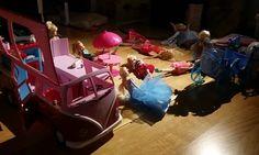 Fatter'n røyk i Bodå, fordi Barbie trengte trening… Mini S, Barbie, Decor, Boden, Decoration, Decorating, Barbie Dolls, Deco