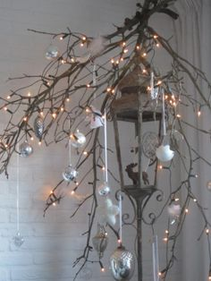 40 Christmas decoration ideas in the Scandinavian style - Flowers, Fountains and Gardens - noel Natural Christmas, Noel Christmas, Scandinavian Christmas, Christmas Is Coming, Country Christmas, Winter Christmas, Christmas Themes, Christmas Lights, Christmas Crafts