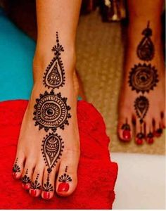 Circlular Floral Design 25 Fabulous Foot Mehndi Designs for Your Next Event