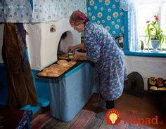 Only in Russian village you can find the tastiest pies from Grandma :) Interior Design Living Room, Living Room Designs, Grandma Pie, Kitchen Stories, Canning, Home Decor, Country Life, Country Living, Thermal Mass