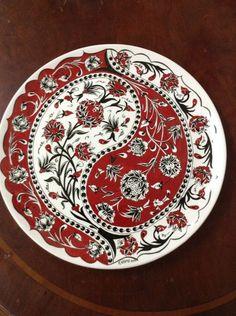 paint your own pottery Kbra Cehri 40 cm ini tabak Blue Pottery, Pottery Plates, Ceramic Pottery, Pottery Art, Pottery Painting, Ceramic Painting, Ceramic Art, Art Du Collage, Paint Your Own Pottery