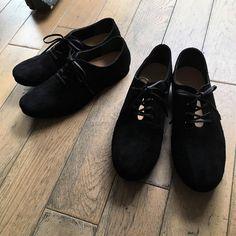 リクエストにお応えしてスエードタイプ展開開始です。  #unjour #unjourshoes #ぺたんこ靴 #革靴 #スエード靴 #らくちん靴 #かわいい #ひも靴 #黒 #レディース #レディースシューズ #レディースファッション All Black Sneakers, Oxford Shoes, Women, Fashion, D Day, Moda, Fashion Styles, Fashion Illustrations, Woman