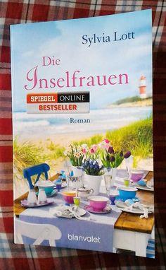 """3 Generationen führen eine Frühstückspension auf Borkum mit Leben... wir werden in diesem Roman mit frischem Wind auf einen Inselurlaub der besonderen Art mitgenommen. Viel Spaß mit """"Die Inselfrauen"""" von Sylvia Lott in www.kathrins-home.de"""