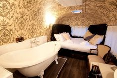 schlafzimmer badewanne old mac daddy boutique hotel wohnwagen