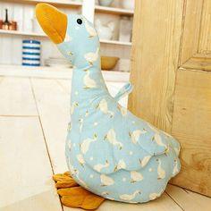 Love this goose doorstop
