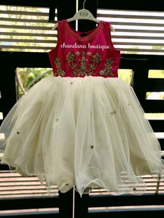 Baby girl dresses traditional 26 ideas for 2019 Baby Girl Frocks, Frocks For Girls, Dresses Kids Girl, Kids Outfits, Kids Dress Wear, Kids Gown, Kids Wear, Kids Frocks Design, Baby Frocks Designs