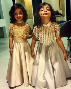 Baby girl dresses for wedding sweets 17 Ideas Kids Indian Wear, Kids Ethnic Wear, Indian Dresses For Kids, Indian Clothes, Frock Design, Twin Outfits, Kids Outfits, Kids Blouse Designs, Kids Frocks Design