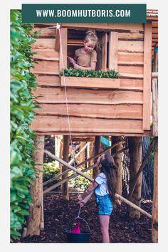 Van beneden naar boven snoepjes vervoeren in de emmer of andere vondsten naar boven takelen: jouw kinderen hebben ongetwijfeld volop speelplezier in deze boomhut met touwlift!