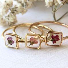 Dainty Jewelry, Cute Jewelry, Jewelry Box, Jewelery, Jewelry Accessories, Fashion Accessories, Jewelry Making, Jewelry Holder, Leather Jewelry