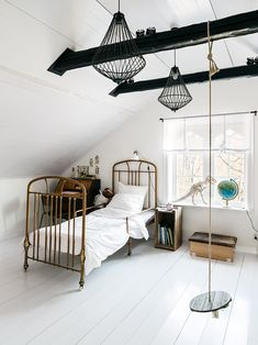 Extensive Kids Bedroom Design Ideas: Ideas, Remodel, And Decor – Best Home Decorating Ideas - Page 49 Indoor Swing, Childrens Beds, Attic Rooms, Attic Bathroom, Attic Playroom, Kid Spaces, Boy Room, Cottage Style, Kids Bedroom