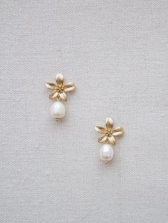 La Gorgone diseña joyas para novias de estilo romántico y vintage. Descubre sus exclusivos pendientes y pulseras de piedras…