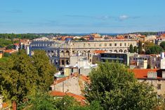 One Day in Pula, Croatia: 8 historic sights to see - Jetsetting Fools Stuff To Do, Things To Do, Pula, Best Cities, Day Trip, The Fool, Budapest, Mansions, House Styles